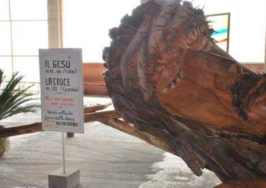 il-cristo-in-legno