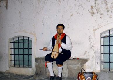 043-un-pò-di-folklore