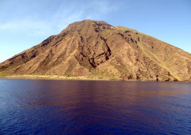 058-il-vulcano-in-attività