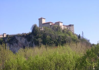 10-angera-castello