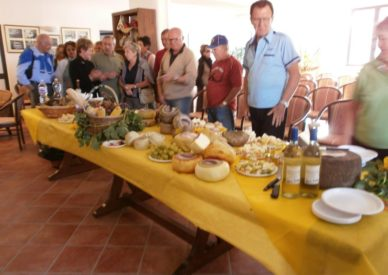 raduno-toscana-2013-etta-070-degustazione-formaggi