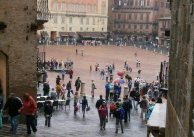 raduno-toscana-2013-etta-109-siena-sotto-la-pioggia