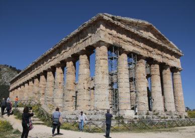IMG_140405-Segesta Tempio
