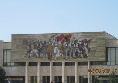 Tirana-Muzeu Historik Kombetar