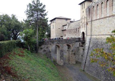 038 Castello di Felino